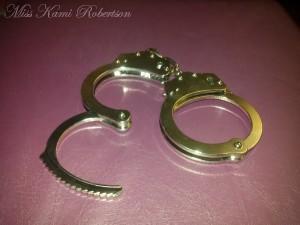 metal-cuffs-1